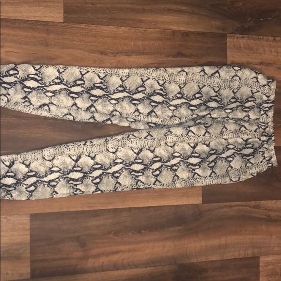 Gianni Bini Pants - Gianni Bini Snake print pants